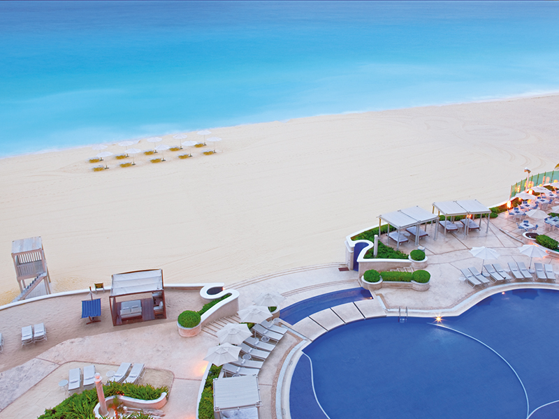 Sandos cancun for Best all inclusives in mexico for couples